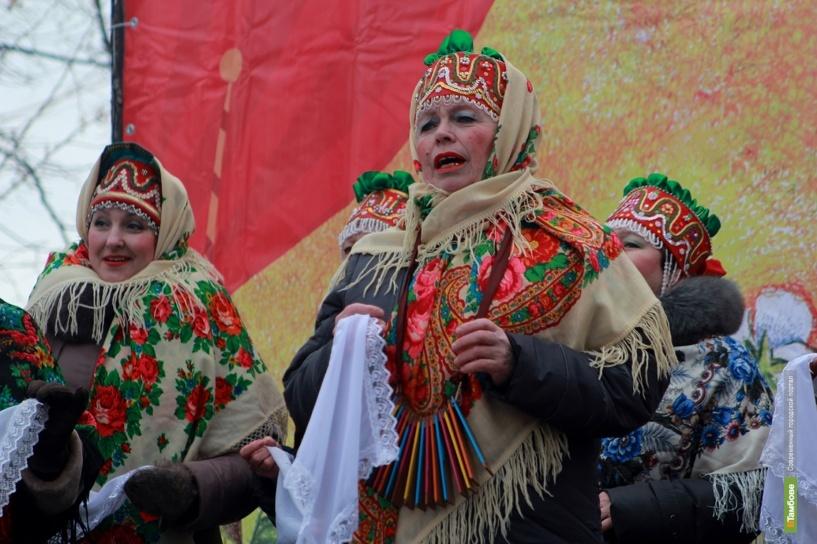 В Тамбове два праздника: зажигательная Масленица и эстафета паралимпийского огня