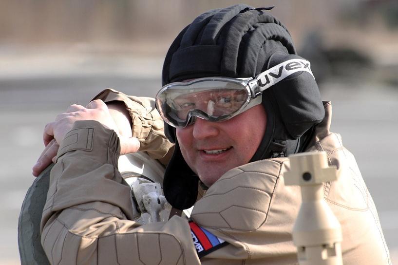 Россия потратит 20 трлн рублей на высокоточное оружие для армии и флота