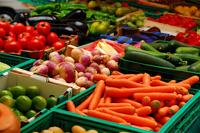 Быстрее всего в России дорожают овощи и фрукты