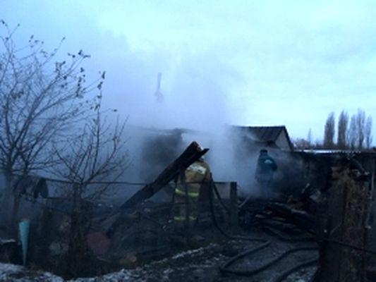Престарелая пара погибла впожаре в своем доме