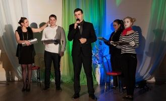 Лучшими актёрами Молодёжного театра стали Юрий Фитисов и Надежда Петрушова