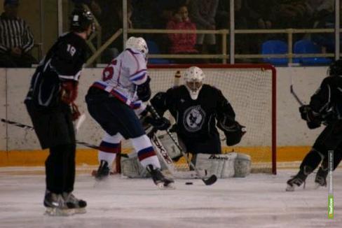 Тамбовские хоккеисты уступили в упорной борьбе смолянам