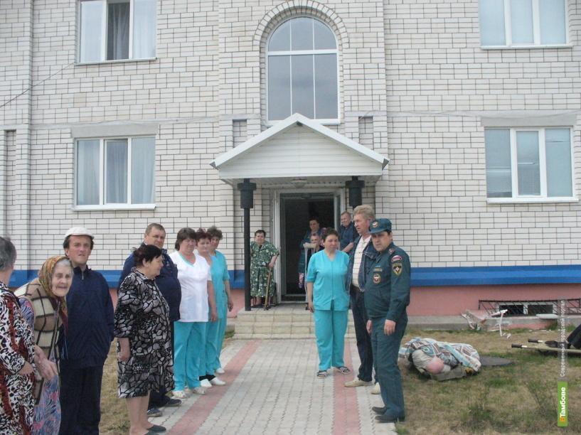 В Токаревском районе из дома престарелых эвакуировали людей