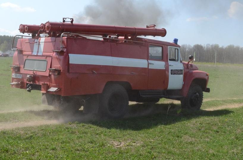 В Первомайском районе загорелась иномарка