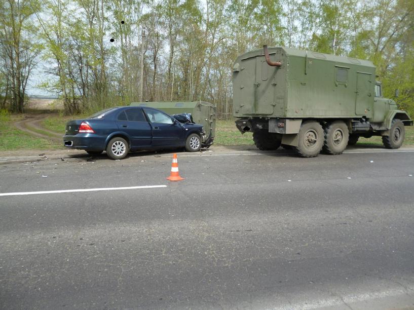 В Тамбовской области иномарка не разъехалась с ЗИЛом