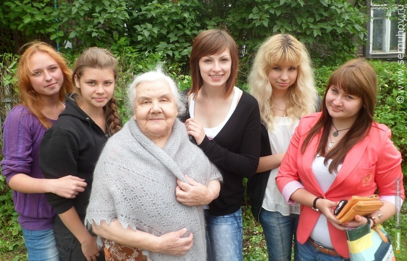 Тамбовские волонтеры начали помогать одиноким пенсионерам