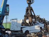 Программу утилизации старых авто продлят на 2012 год