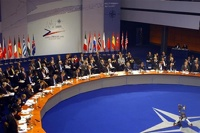 НАТО сворачивает сотрудничество с Россией и переключается на Украину