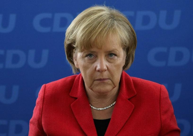 Ангела Меркель призвала сохранить санкции против России