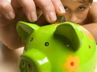 Женщины предпочитают сберегать деньги, а мужчины — занимать и тратить