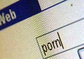 Тамбовский гаишник «сливал» в Интернет порнографию