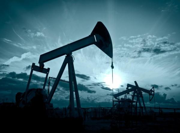 Цена на нефть выросла выше 55 долларов за баррель