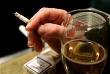 В новом году в России вновь подорожают водка и сигареты