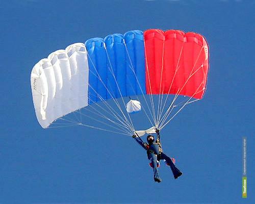 Аэроклуб ДОСААФ закрыл тамбовским парашютистам-профессионалам дорогу в небо