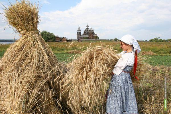 Праздник первого урожая состоялся в Уваровском районе