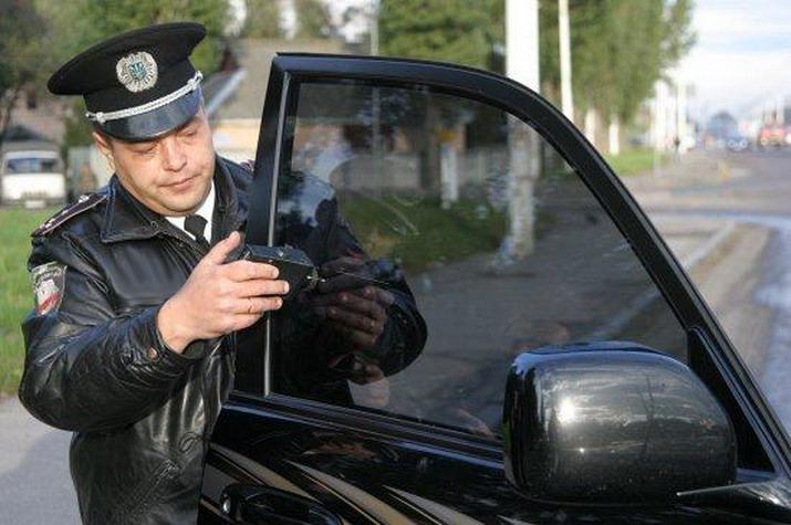 За тонировку стекол автомобилистов будут лишать прав на полгода
