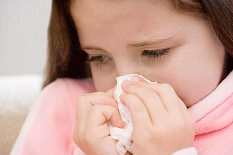 В нескольких школах и детсадах приостановили занятия из-за распространения ОРВИ и гриппа