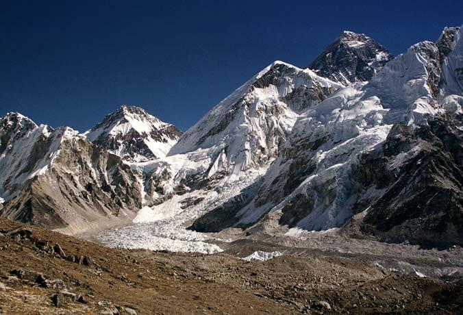 При восхождении на Гималаи погибли двое россиян