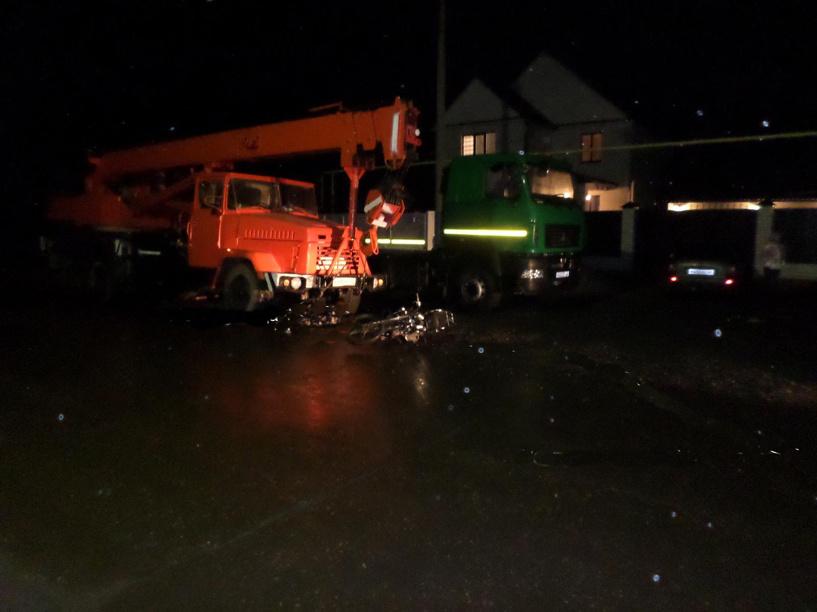 В Староюрьево 15-летний скутерист врезался в стоящий грузовик