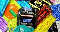 С Нового года рожать и гибнуть в ДТП станут чаще: в России дорожают презервативы и шины