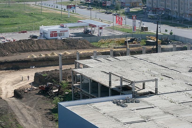 В Тамбове начали возводить многоэтажку на месте недостроенного торгового центра
