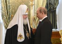 Соцопрос: россияне верят церкви больше, чем президенту