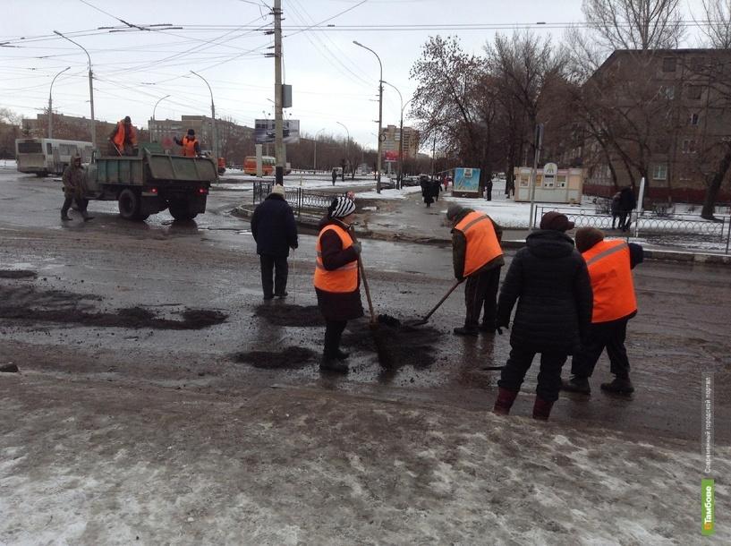 В Тамбове по маршруту Олимпиады заделывают ямы