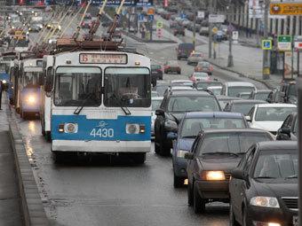 Треть российских водителей на день откажется от машин