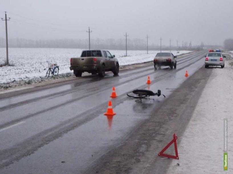 На тамбовской дороге не разъехались иномарка и велосипед