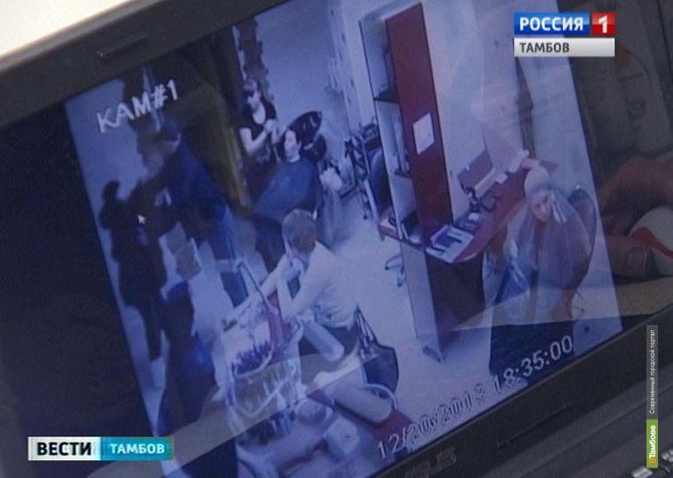 Депутат Рассказовского горсовета разгромил салон красоты бывшей жены