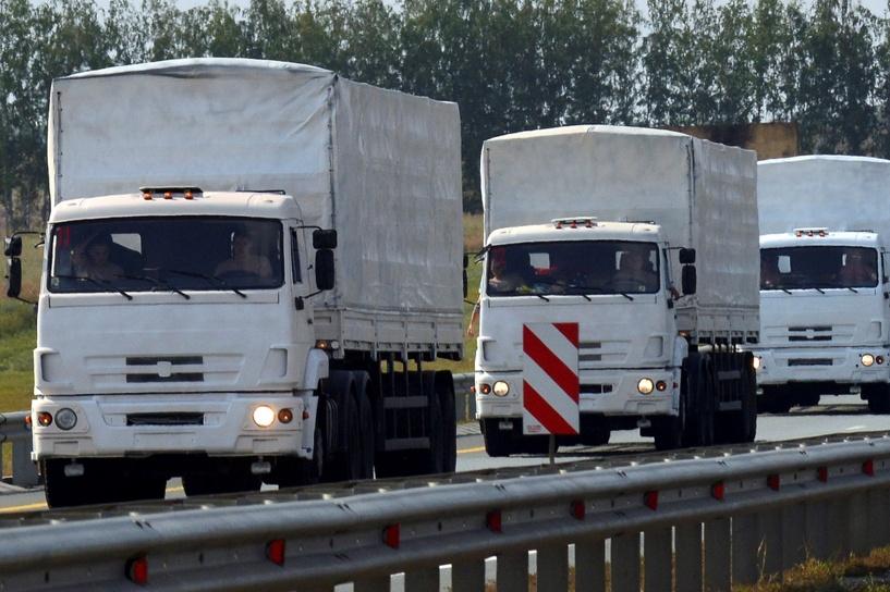 Российские гуманитарные грузовики пересекли украинскую границу