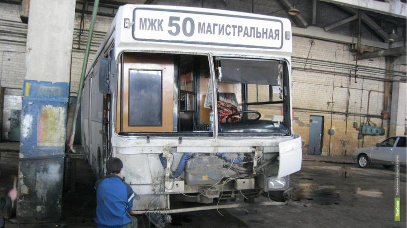 В Тамбове «50-ый» автобус въехал в столб