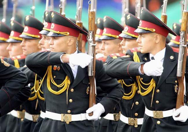 Поистине мужской день: воспоминания из армейских лет
