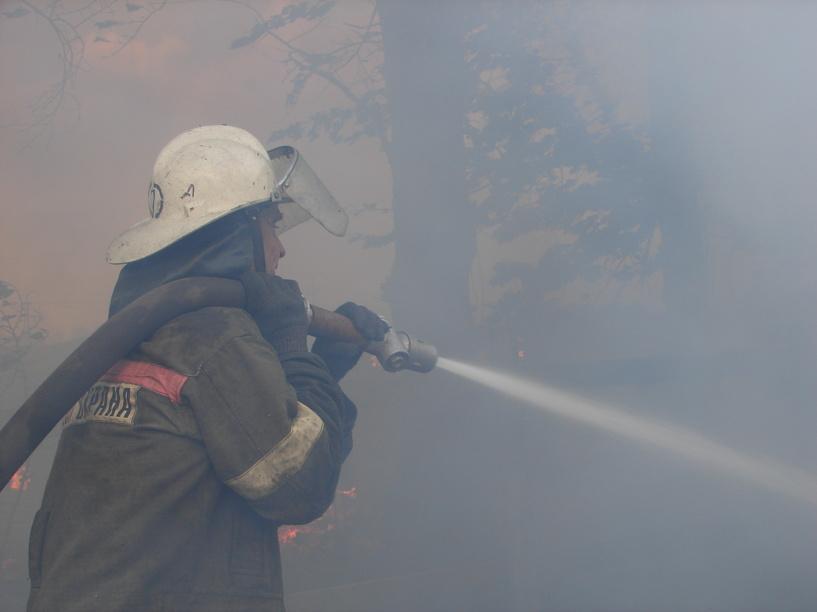 9 мая в области произошло два пожара, пострадал 1 человек