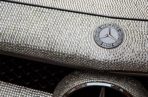 Русская студентка шокировала Лондон своим Mercedes в кристаллах Swarovski