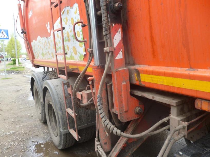 Под Котовском мусоровоз наехал на велосипедиста