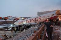 Семьи погибших при посадке Ту-204 в Москве получат по миллиону рублей