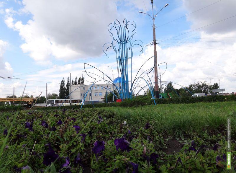 Синий цветок-гигант расцветет в Тамбове
