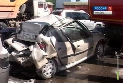 В Тамбове автобус с неисправными тормозами попал в ДТП