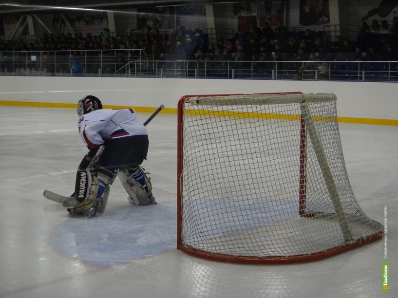 Тамбовчане скрестят клюшки с удмуртскими хоккеистами