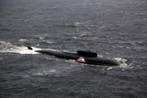 Атомная подлодка ВМФ РФ спасла экипаж катера в Белом море