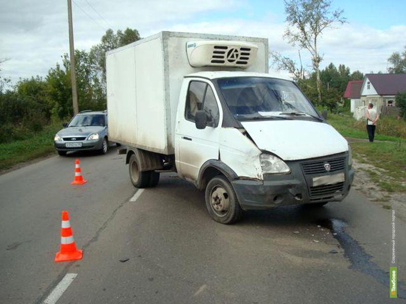 Под Моршанском женщина на «Приоре» не пропустила грузовую «ГАЗель»
