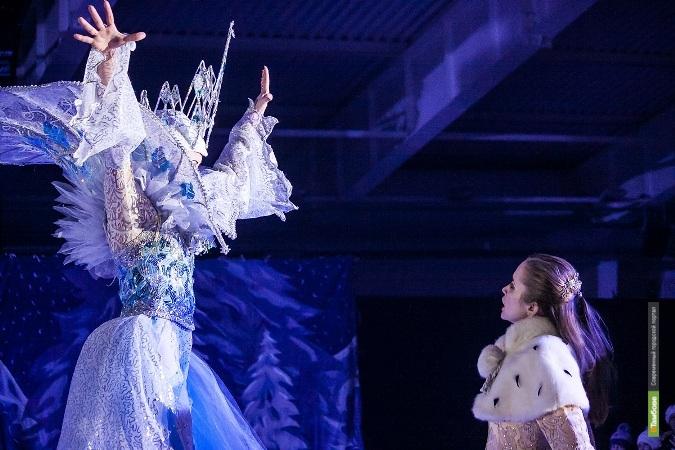 В Тамбове Снежная Королева встала на коньки