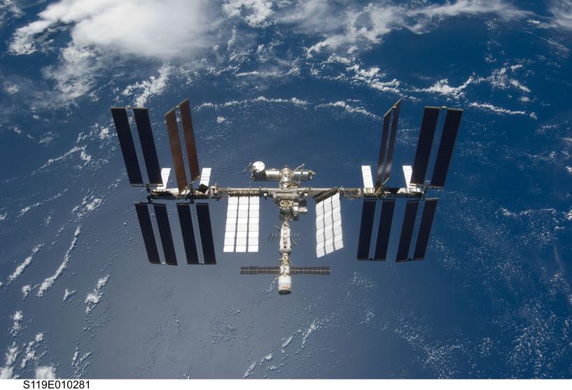 Космические проблемы: на МКС у американцев поломалась сигнализация, у россиян — туалет