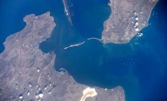 Крым движется в сторону России