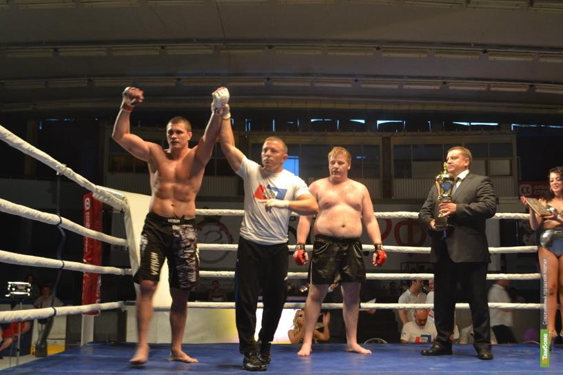 В Тамбове прошел супербой между чемпионом Мира и чемпионом России