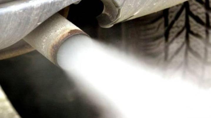 Пьяного мужчину спасли от отравления угарным газом