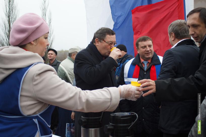 Тамбовчане в День народного единства съели 2 центнера каши