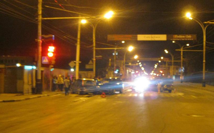 В Тамбове иномарка «собрала» на перекрёстке несколько машин