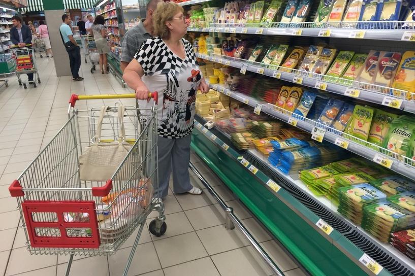 ВЦИОМ уверяет, что россияне рады продовольственным санкциям